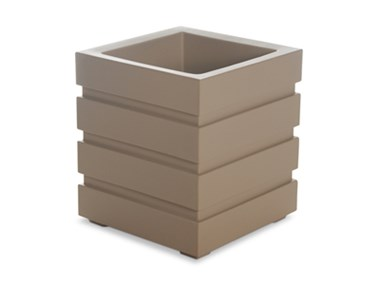 Picture of Freeport Patio Planter 18x18 Clay